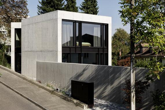 HOUSE T. BASEL